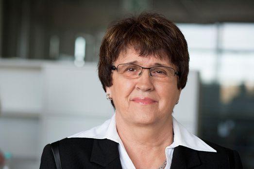 Karin Stange